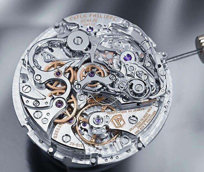 Động cơ của một chiếc đồng hồ cơ (Patek Philippe)