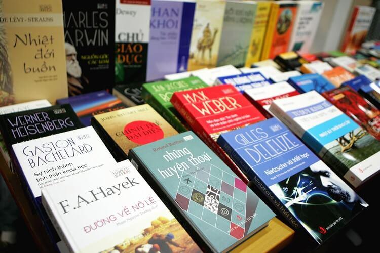 Sách là mặt hàng dễ mua Online nhất