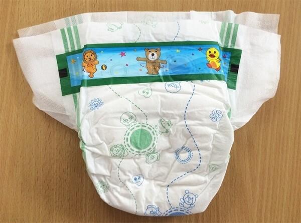 Tã dán cho trẻ sơ sinh có thể dán lại tạo hình dáng như quần
