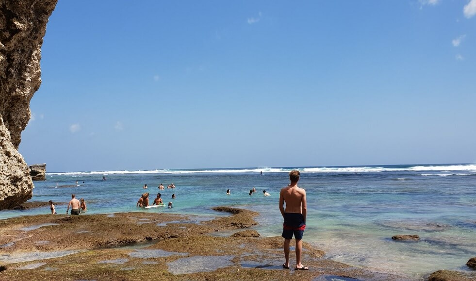 Bãi biển Uluwatu